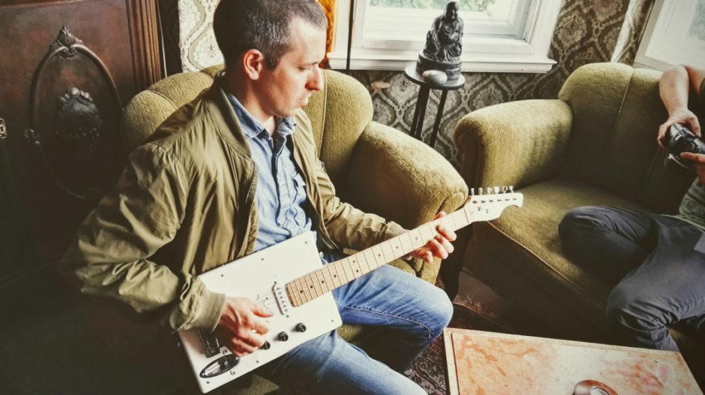 Leon Schurz from Hot Milk Crew rockin' the iPad Bass
